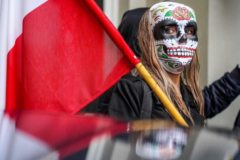 Η Ευρώπη χαλαρώνει τα μέτρα – Στις ΗΠΑ τα κρούσματα κορονοϊού αυξάνονται