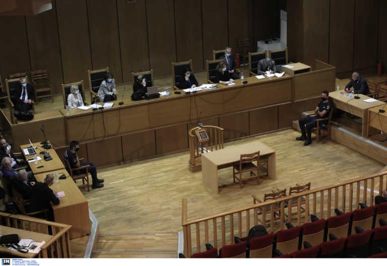 Δίκη Χρυσής Αυγής: Μετά τα παρακάλια η εισαγγελική αγόρευση για τις αναστολές