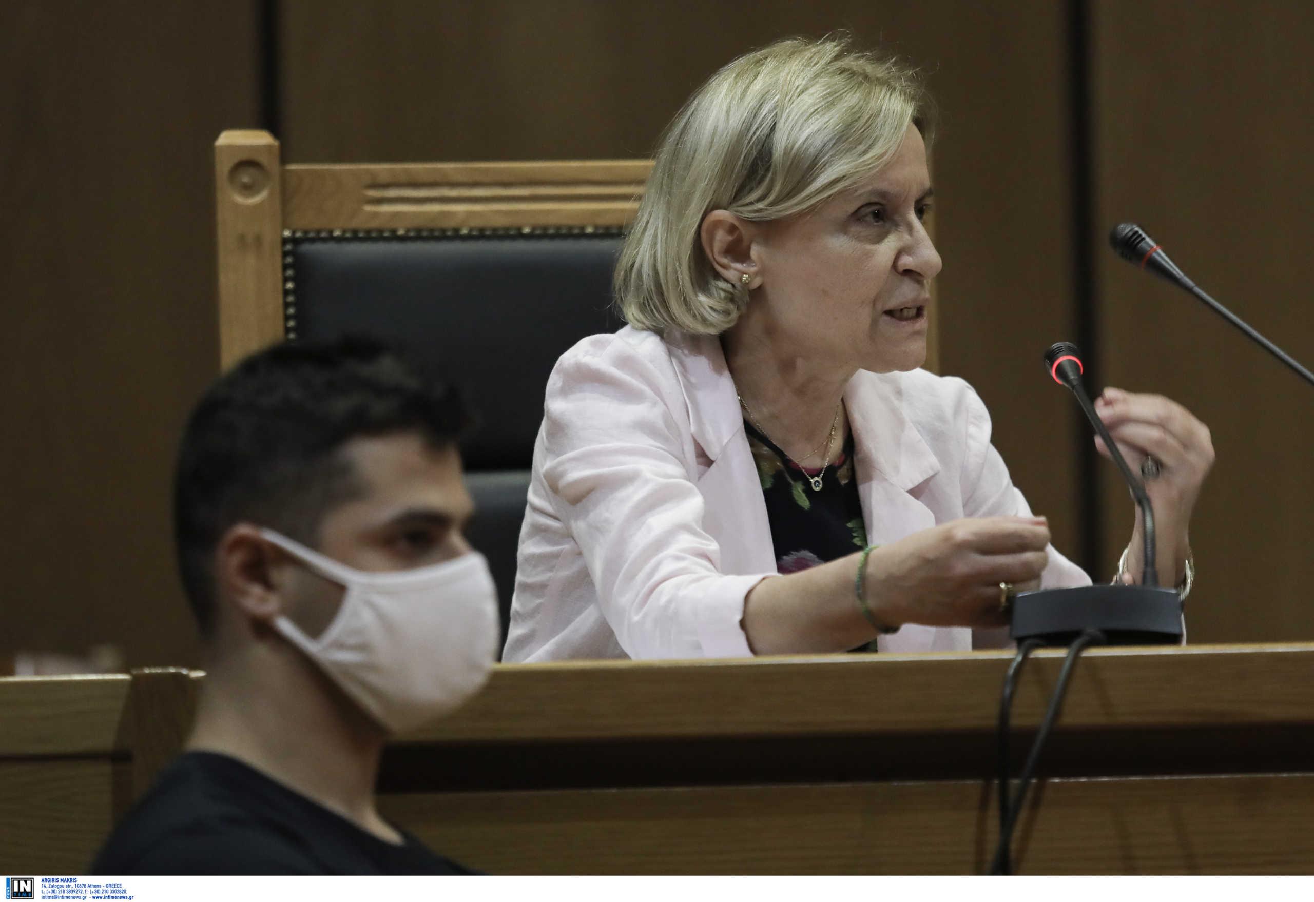Δίκη Χρυσής Αυγής: Αλαλούμ με τα ελαφρυντικά που πρότεινε η εισαγγελέας