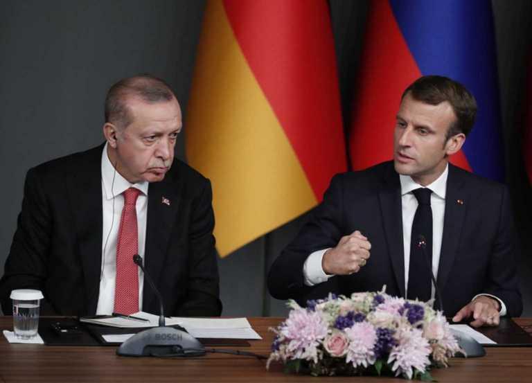 """""""Σύμμαχος"""" του Μακρόν το Συμβούλιο Μουσουλμανικής Θρησκείας: Δεν διώκονται οι Μουσουλμάνοι στη Γαλλία"""