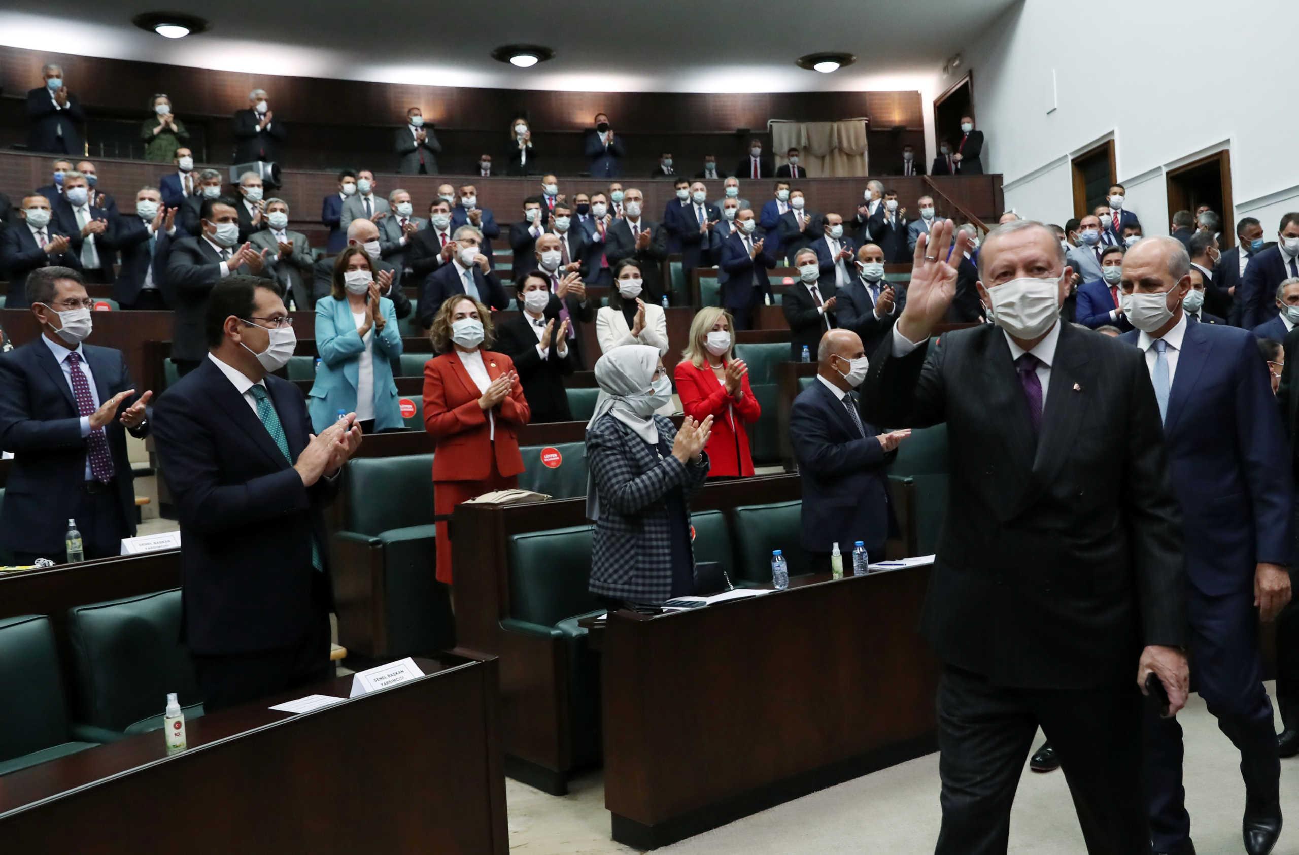 «Εμπρηστής» Ερντογάν: Θα δώσουμε σε Ελλάδα και Κύπρο την απάντηση που τους αξίζει