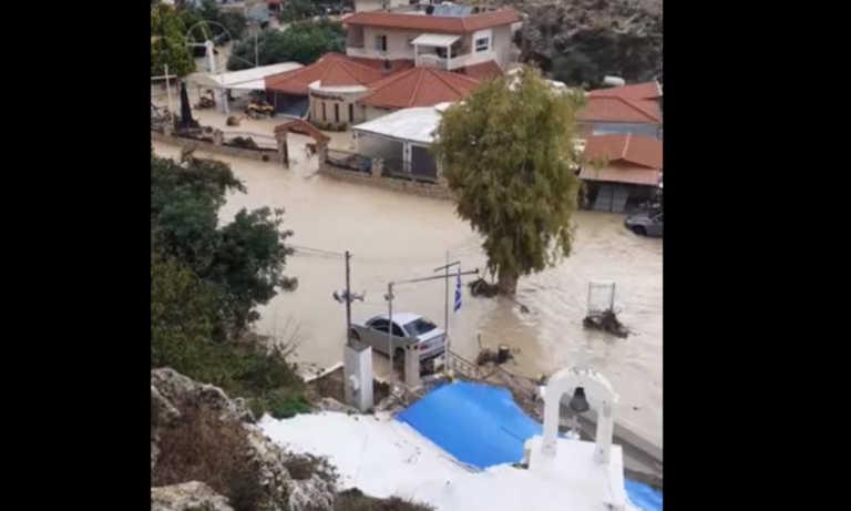 Κρήτη: Επιχείρηση της Πυροσβεστικής για τη διάσωση τεσσάρων ανθρώπων! – Το νερό κάλυψε τον Καρτερό (pics)
