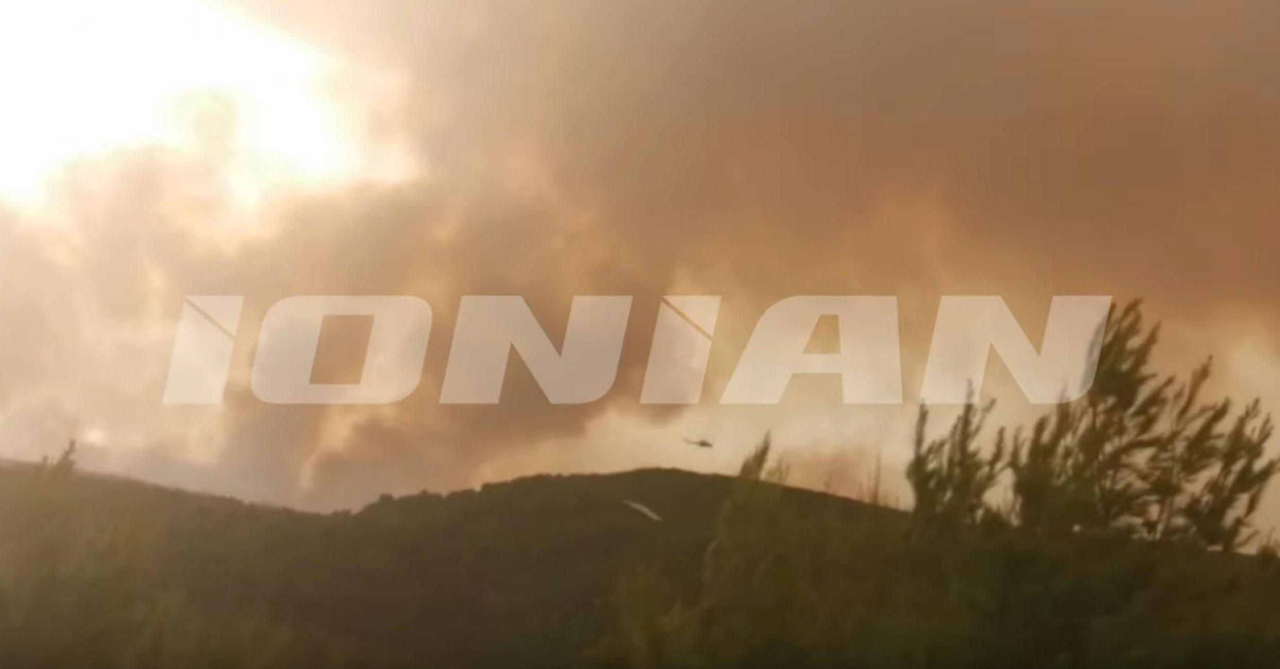 Ζάκυνθος: Η φωτιά πάνω από το Ναυάγιο! Νέες εικόνες από τη μάχη της κατάσβεσης (Βίντεο)