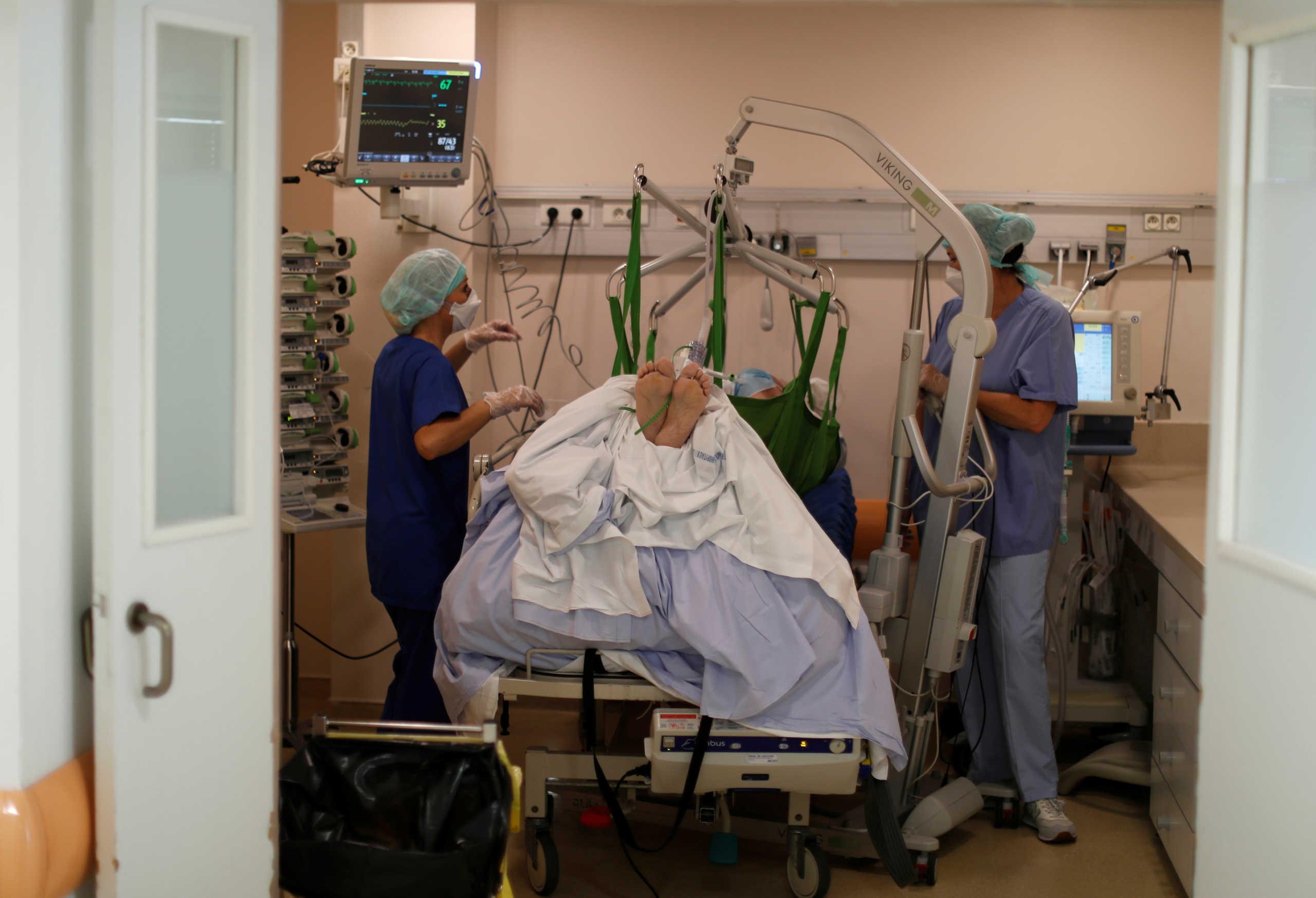 Κορονοϊός: Κατάσταση πολέμου στην Πορτογαλία – Εξαντλούνται τα κρεβάτια σε δημόσια και ιδιωτικά νοσοκομεία