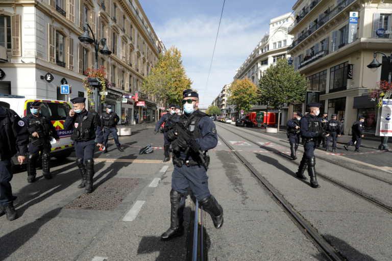 Γαλλία: Φώναζε «Αλλάχ Ακμπάρ» και έσφαζε κόσμο σε εκκλησία στη Νίκαια – Αποκεφάλισε μια γυναίκα – 3 νεκροί
