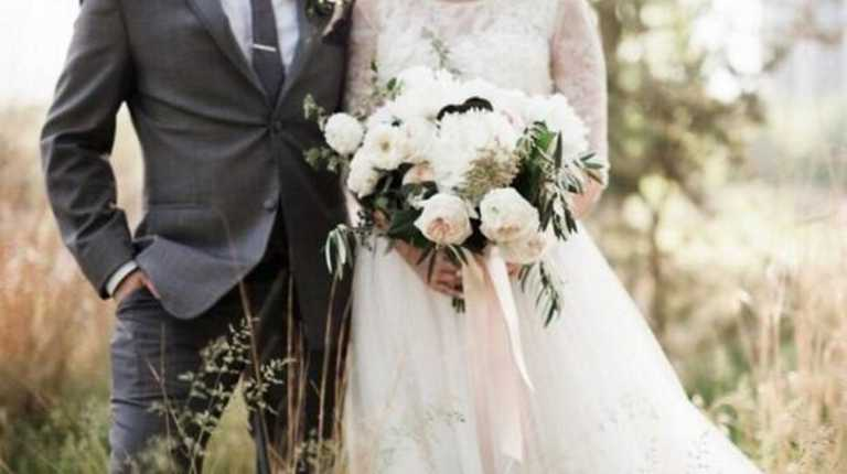 Ξεσπά Έλληνας ηθοποιός: «Ο γάμος σε μια εκκλησία είναι τεράστια κοροϊδία, μια μεγάλη μπίζνα»