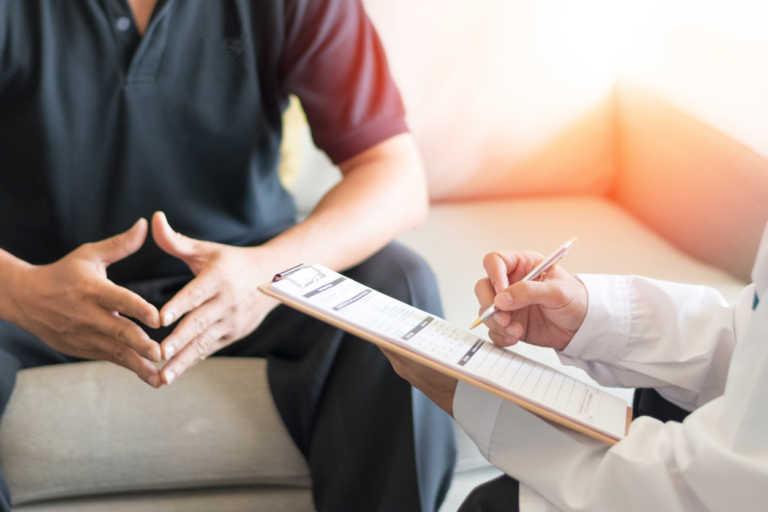 Στυτική δυσλειτουργία: Οι περισσότεροι άνδρες δεν έχουν ιδέα τι τους γίνεται – Τι λύσεις υπάρχουν