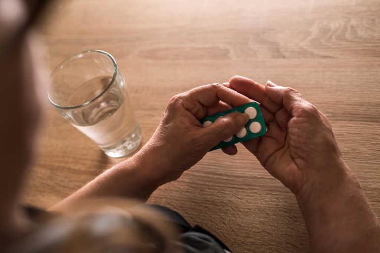 Τι συμβαίνει στο σώμα αν παίρνεις ασπιρίνη κάθε μέρα