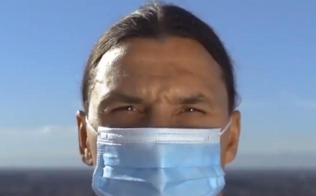 """Φοβερός Ιμπραΐμοβιτς: """"Εγώ νίκησα τον κορονοϊό αλλά εσείς δεν είστε ο Ζλάταν γι' αυτό φορέστε μάσκες"""" (video)"""