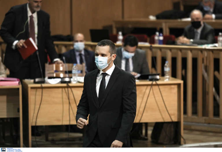 Δίκη Χρυσής Αυγής: Ξανά στο δικαστήριο ο Ηλίας Κασιδιάρης