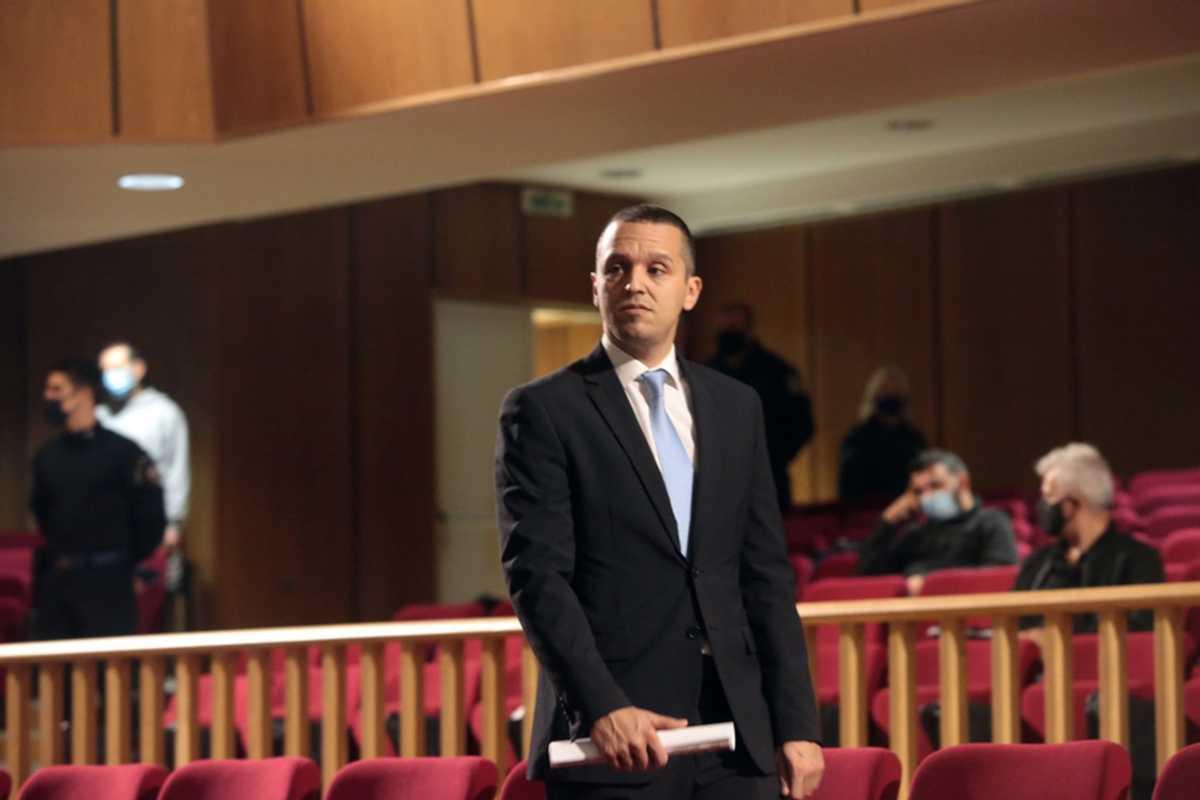 Ηλίας Κασιδιάρης στην αίθουσα δικαστηρίου