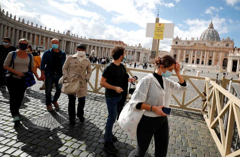 Ιταλία: Σοκ με ρεκόρ 31.084 νέων κρουσμάτων κορονοϊού