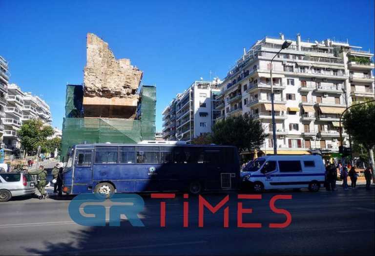 """Θεσσαλονίκη: """"Μπλόκο"""" αστυνομίας σε συγκέντρωση αναρχικών στην Καμάρα"""