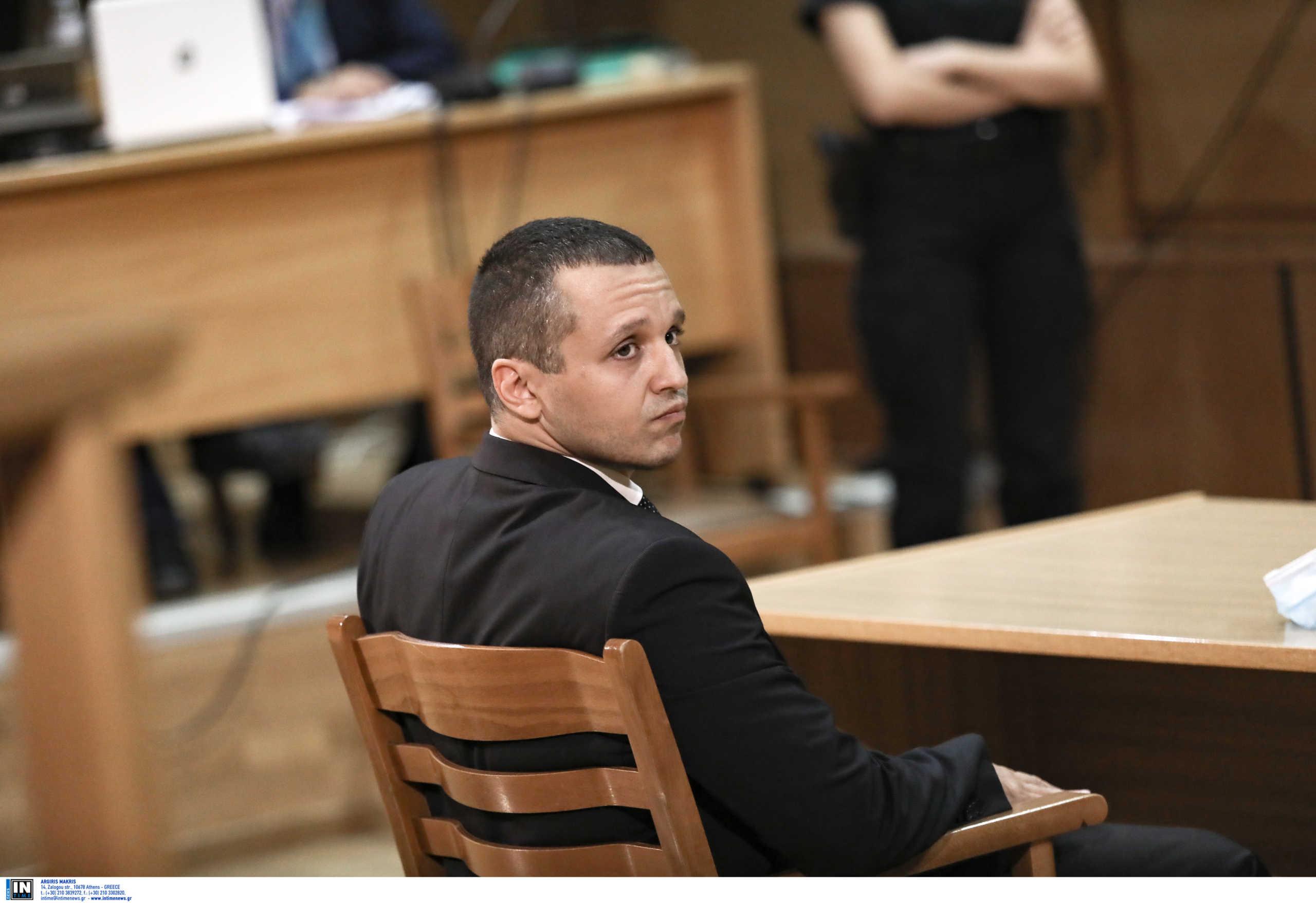 Κασιδιάρης στους δικαστές: «Είμαι αθώος! Δεν είναι δυνατόν να με κρίνετε με 20.000 βίαιους διαδηλωτές απέξω»