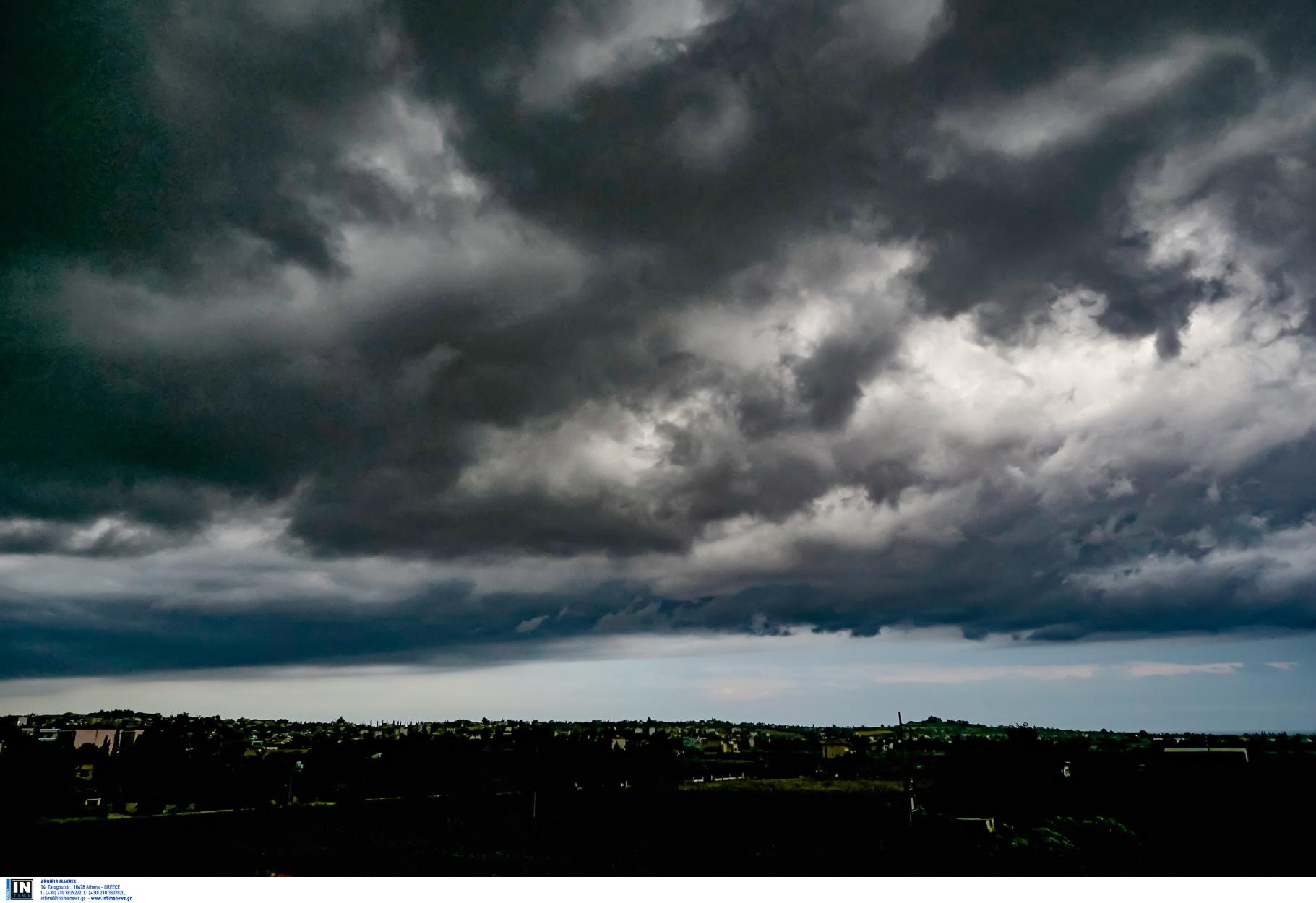 Καιρός: Καταιγίδες και χαλάζι τις επόμενες ώρες