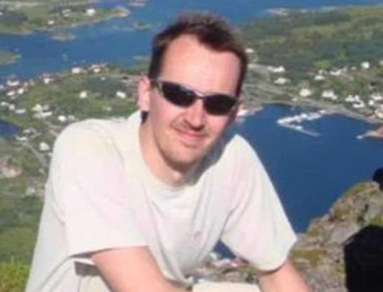 Παρίσι: Αυτός είναι ο 47χρονος καθηγητής που αποκεφαλίστηκε (pics)