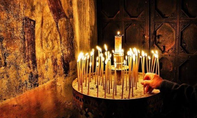 Γιατί λέγεται ότι τα κεριά στην εκκλησία πρέπει να καίνε για πολύ ώρα;