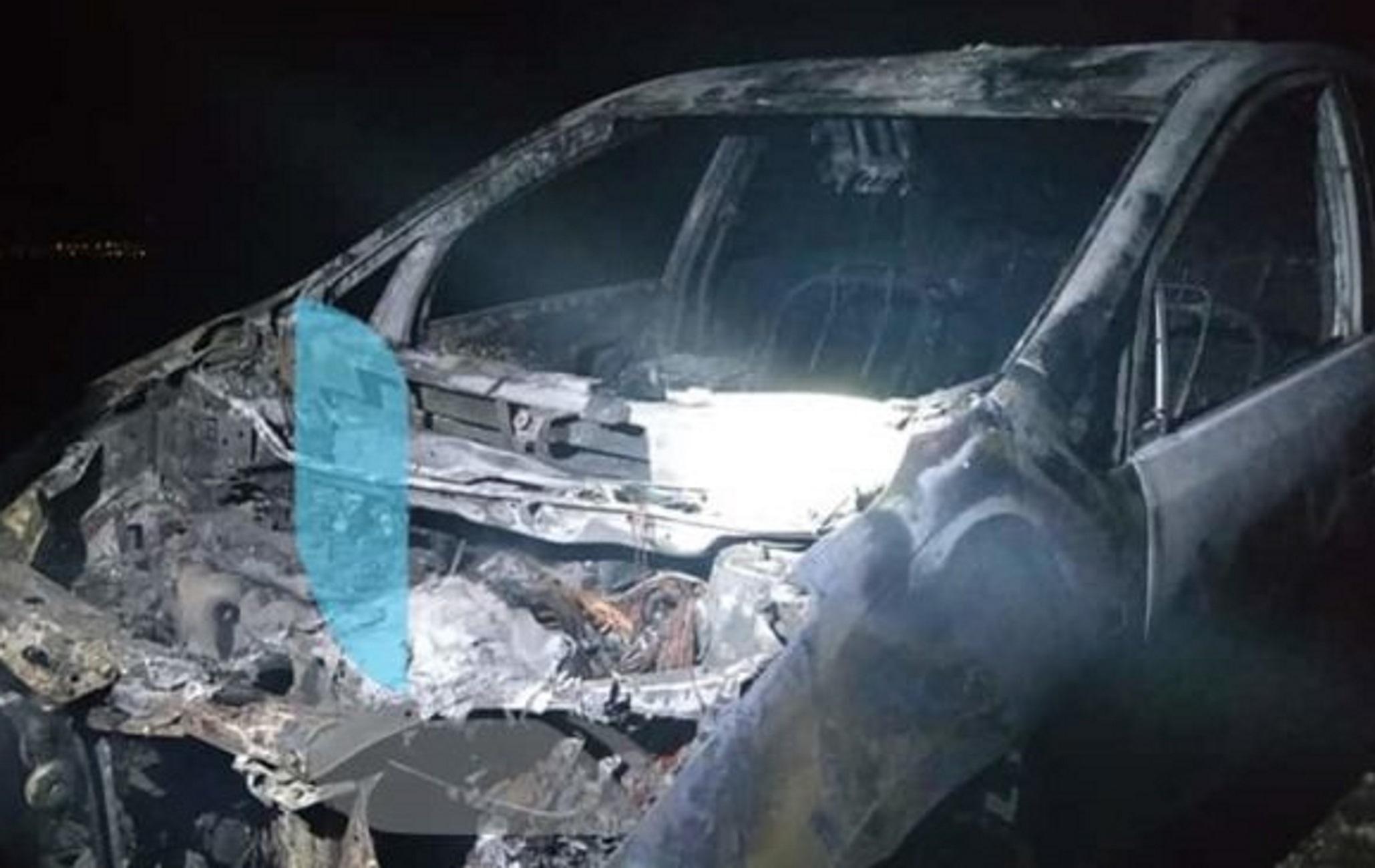 Λουτράκι: Φρίκη με δύο νεκρούς σε διαμέρισμα! Βρέθηκε καμένο το υβριδικό αυτοκίνητο της άτυχης γυναίκας (Φωτό)