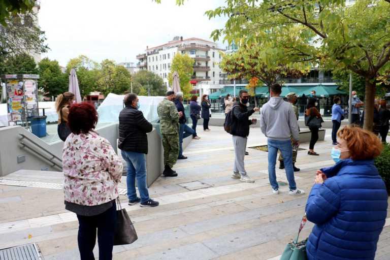 """""""Με το δεύτερο lockdown πάμε για ολική καταστροφή"""" – Αγωνιούν για το αύριο στην Κοζάνη – Τι οδήγησε στην καραντίνα"""
