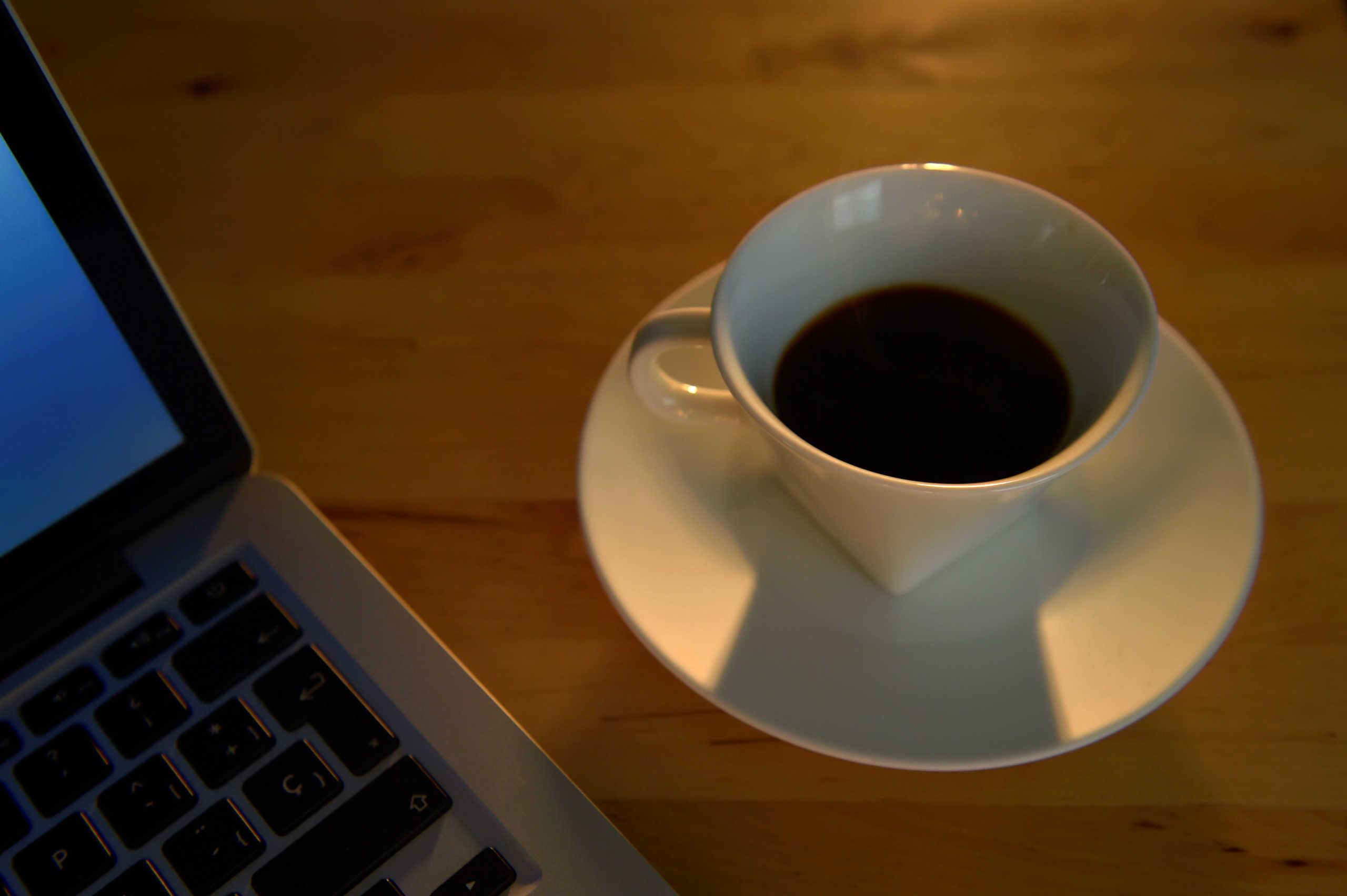 Οι διαβητικοί που πίνουν καθημερινά καφέ και πράσινο τσάι έχουν μικρότερο κίνδυνο θανάτου
