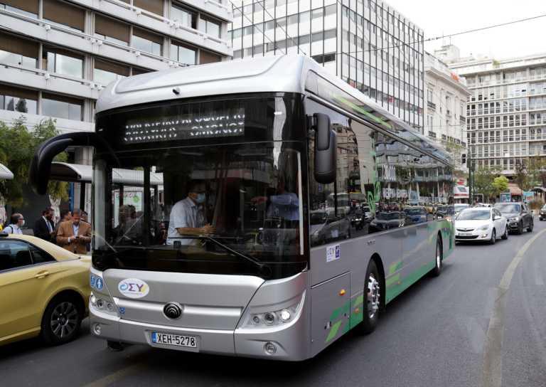 """Ένα """"πράσινο"""" λεωφορείο ευρωπαϊκής τεχνολογίας στους δρόμους της Αθήνας"""