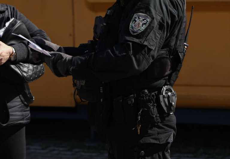 """Λιμενικοί """"μπλόκαραν"""" παράνομους μετανάστες στην Πάργα"""