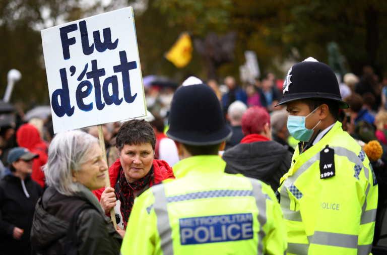 Σοκάρουν ξανά τα στοιχεία από την Αγγλία: 96.000 άνθρωποι μολύνονται καθημερινά!