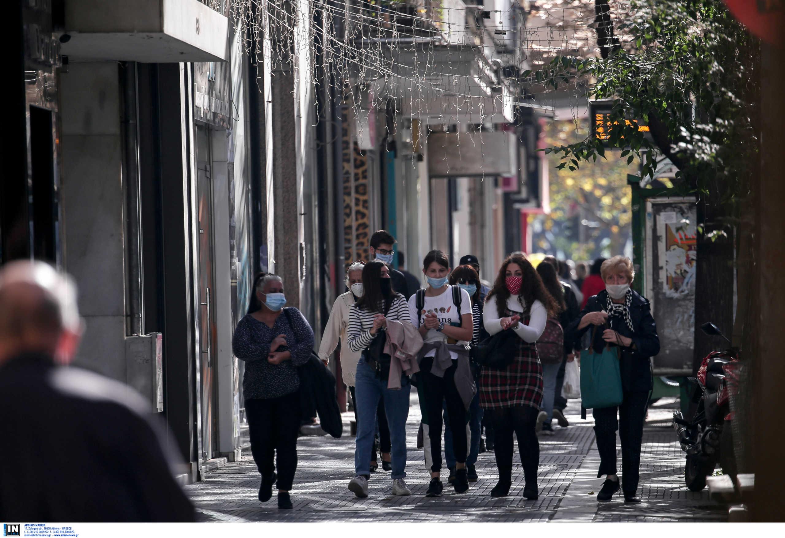 Κορονοϊός: Η πρώτη μέρα με μάσκα παντού – Εικόνες από Αθήνα και Θεσσαλονίκη