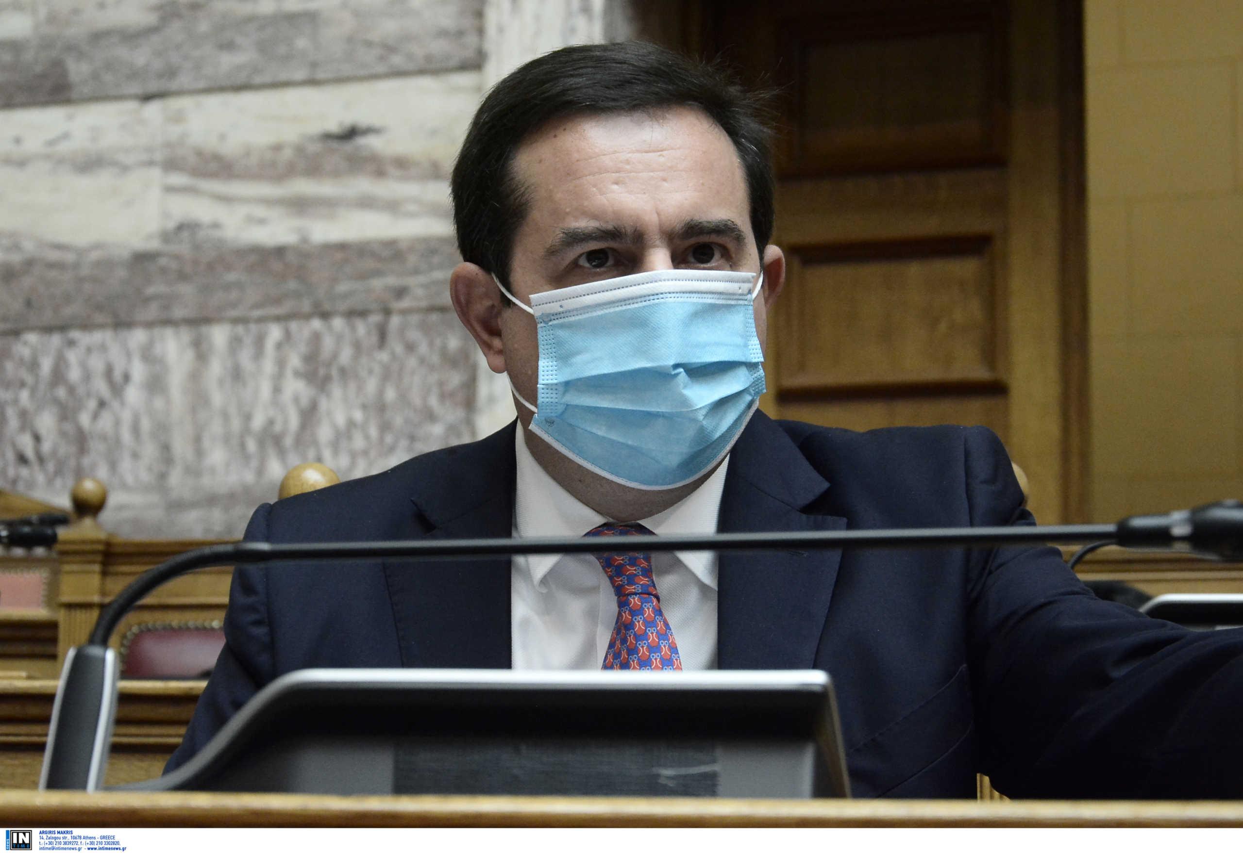Μηταράκης: Αρχές Μαΐου ξεκινάει ο εμβολιασμός στις δομές φιλοξενίας από τον ΕΟΔΥ