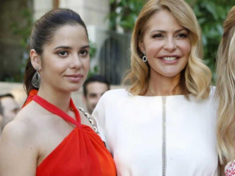 Περήφανη η Τζένη Μπαλατσινού με την επαγγελματική επιτυχία της κόρης της Αλεξάνδρας