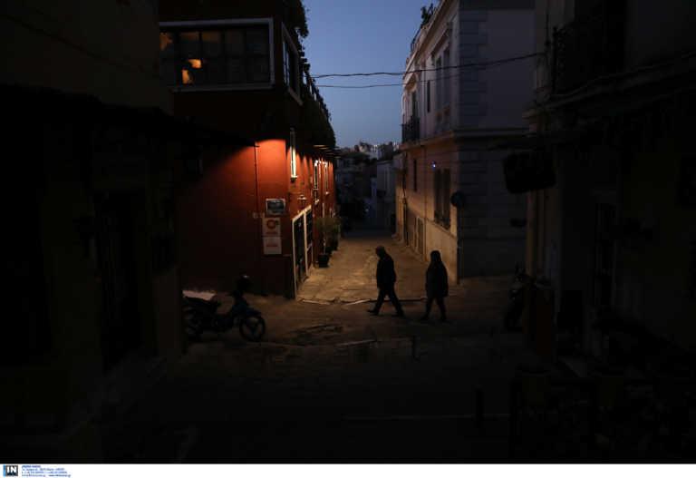 Κορονοϊός – Απαγόρευση κυκλοφορίας: Πώς θα μετακινηθείτε… νόμιμα