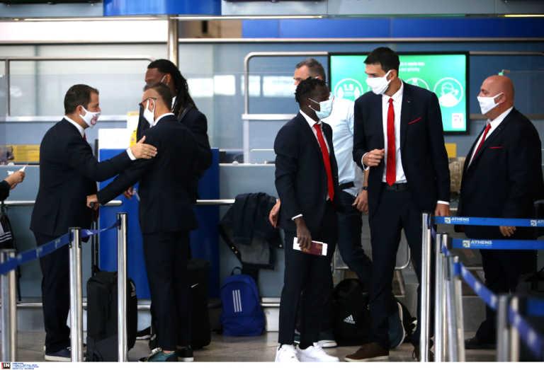 """Πόρτο – Ολυμπιακός: Έφτασαν στην Πορτογαλία οι """"ερυθρόλευκοι"""" (video)"""