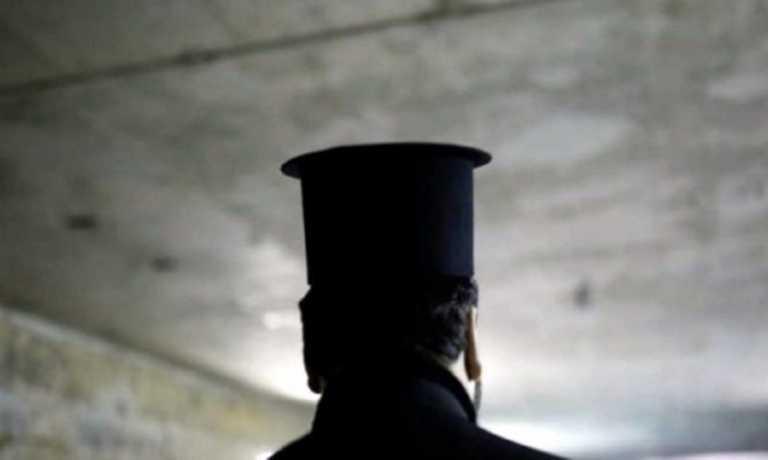 Κρήτη: Σάλος με παντρεμένο Ιερέα που είχε διπλή ζωή – Καταγγελίες που έφτασαν και στη Μητρόπολη