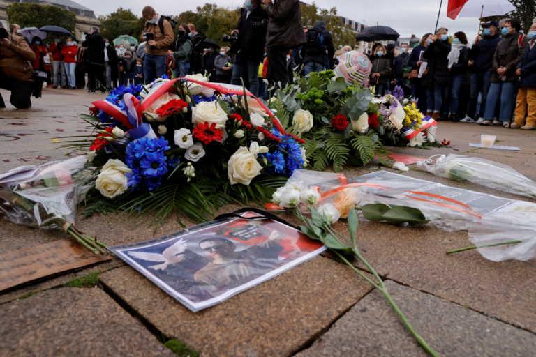 Γαλλία: Ο δολοφόνος του εκπαιδευτικού είχε στείλει sms σε γονέα που είχε εξοργιστεί με τα σκίτσα του Μωάμεθ