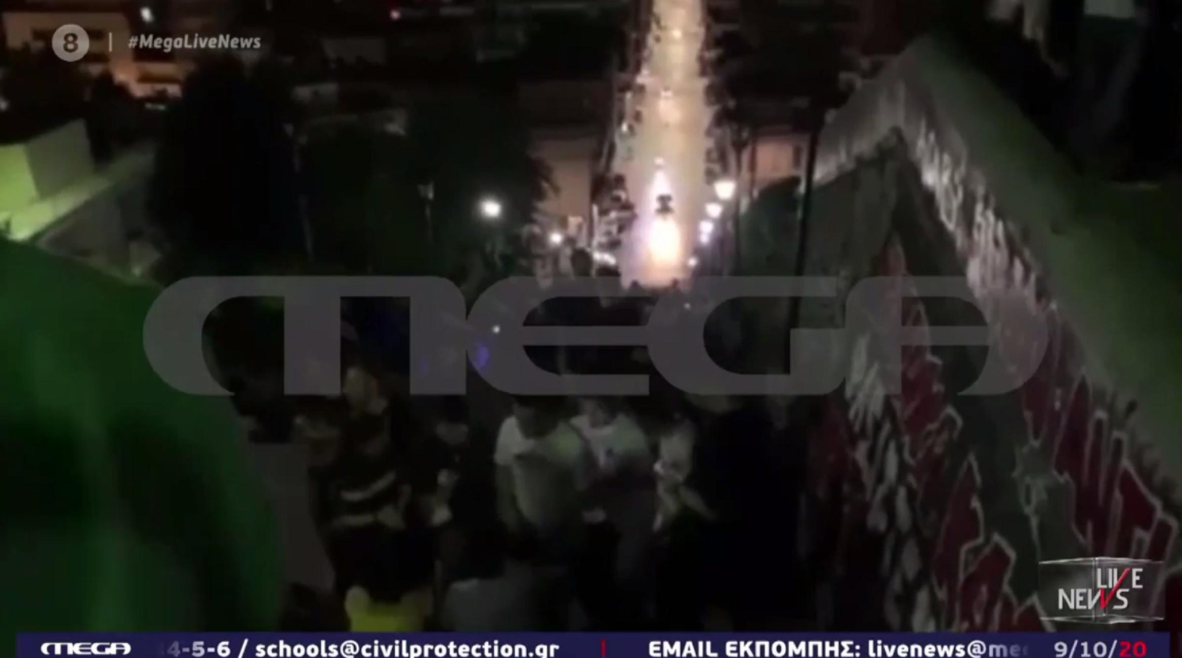 """""""Πάρτι"""" κορονοϊού στα φημισμένα 193 σκαλιά του Αγίου Νικολάου στην Πάτρα"""