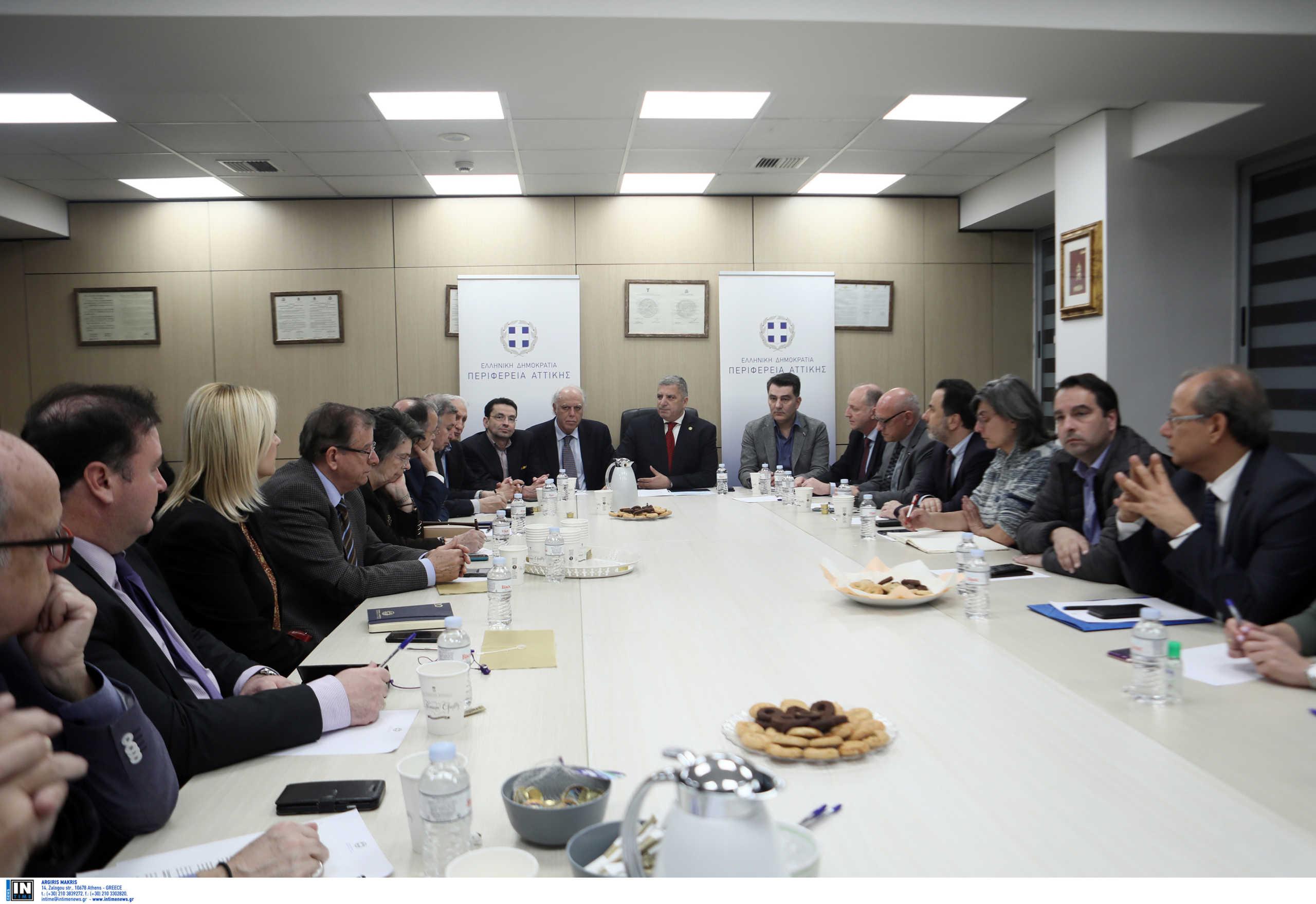 Αναβλήθηκε η συνεδρίαση του Περιφερειακού Συμβουλίου Αττικής μέχρι να αποχωρήσει η «Ελληνική Αυγή»