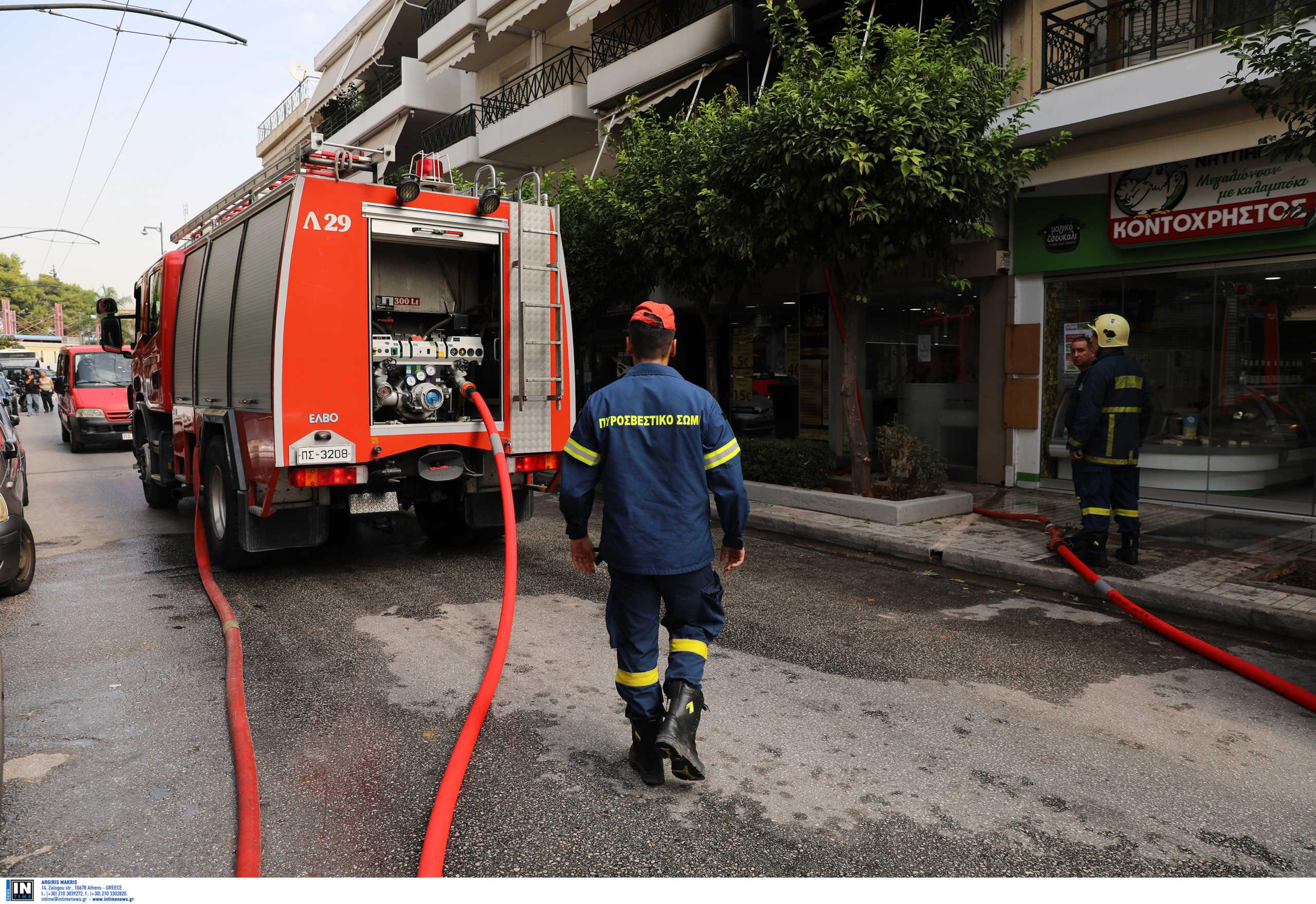 Θεσσαλονίκη: Φωτιά σε μπαλκόνι από μια μπαταρία αυτοκινήτου – Έντρομοι οι ένοικοι του σπιτιού