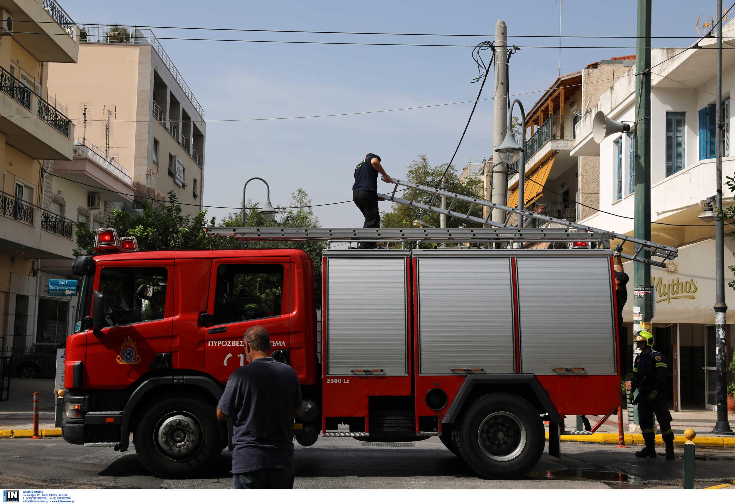 Υπό έλεγχο η φωτιά σε κατάστημα στη Νίκαια