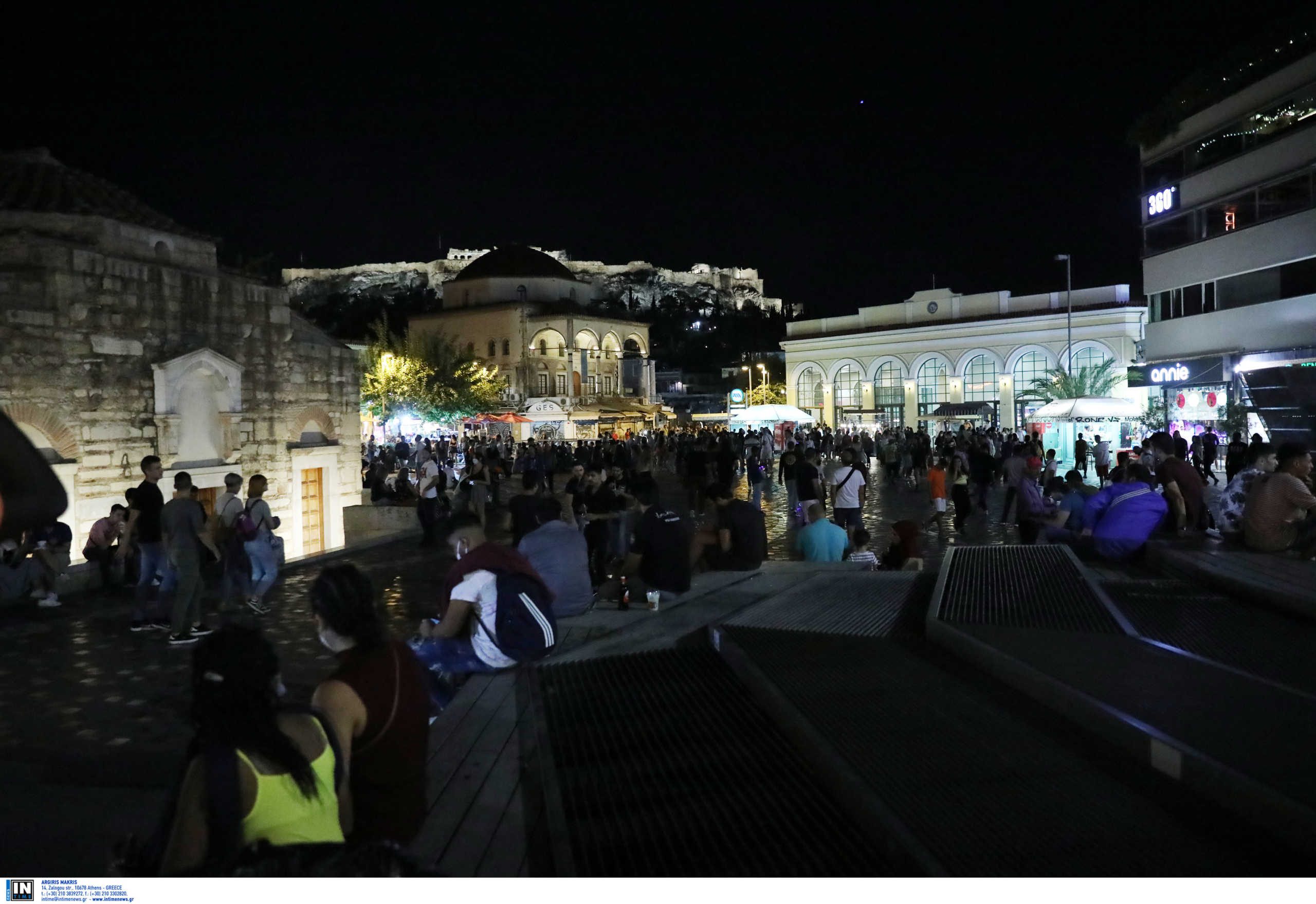 Σαββατόβραδο και… χαμός ξανά στις πλατείες! (pics, video)