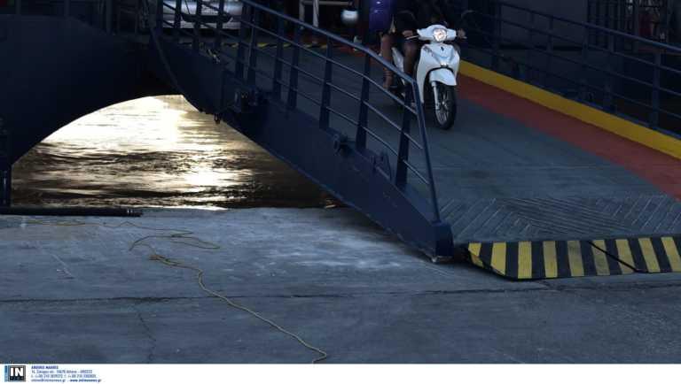 """Συναγερμός! Κρούσμα κορονοϊού σε Γαλλίδα που επιβαίνει στο πλοίο """"Blue Star Delos"""""""