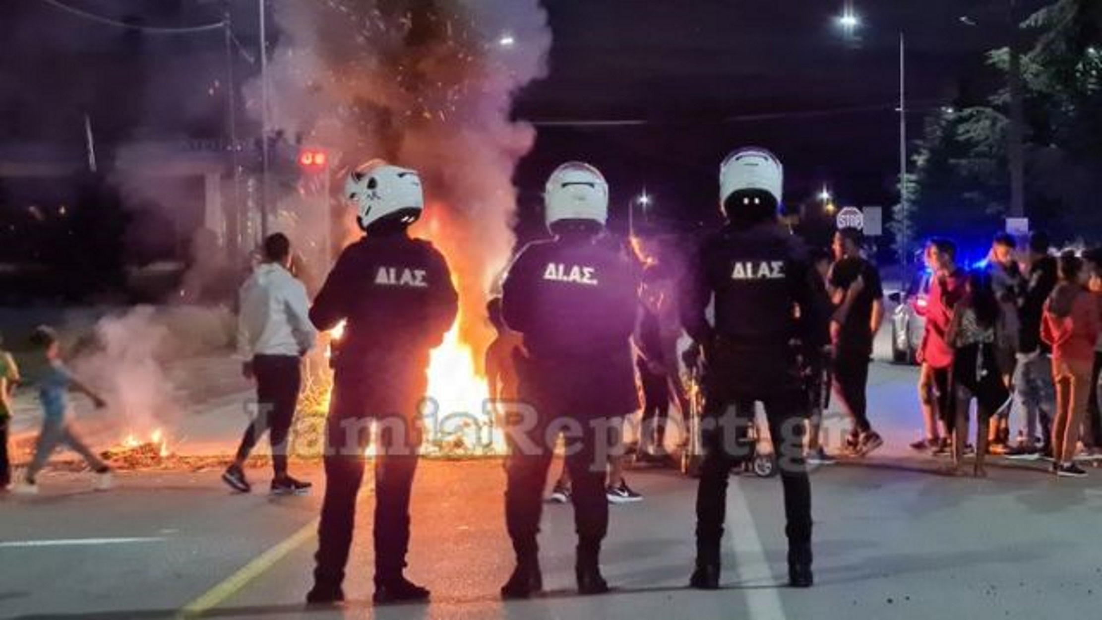 Προφυλακιστέος ο 63χρονος για το θάνατο 18χρονου ρομά στην Καλαμάτα  – Φωτιές, μπλόκα και έμφραγμα στο οδικό δίκτυο (pics, video)