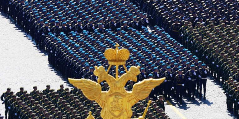 Υπουργικό μπάχαλο στη Ρωσία και στη μέση οι Ένοπλες Δυνάμεις! Κινδυνεύει με περικοπές ο στρατός;
