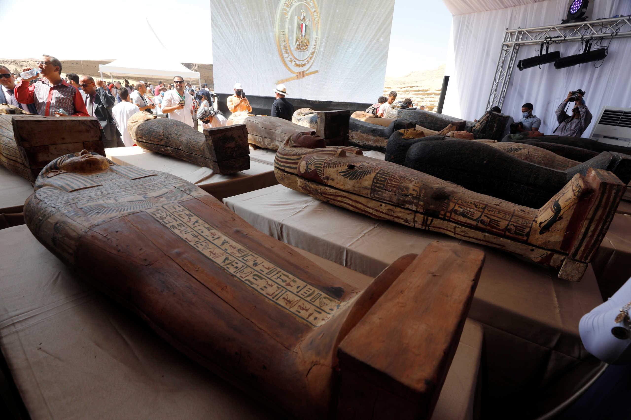 Αίγυπτος: Δέος! Ανακαλύφθηκαν 59 σαρκοφάγοι στη Νεκρόπολη της Σακκάρα (pics)