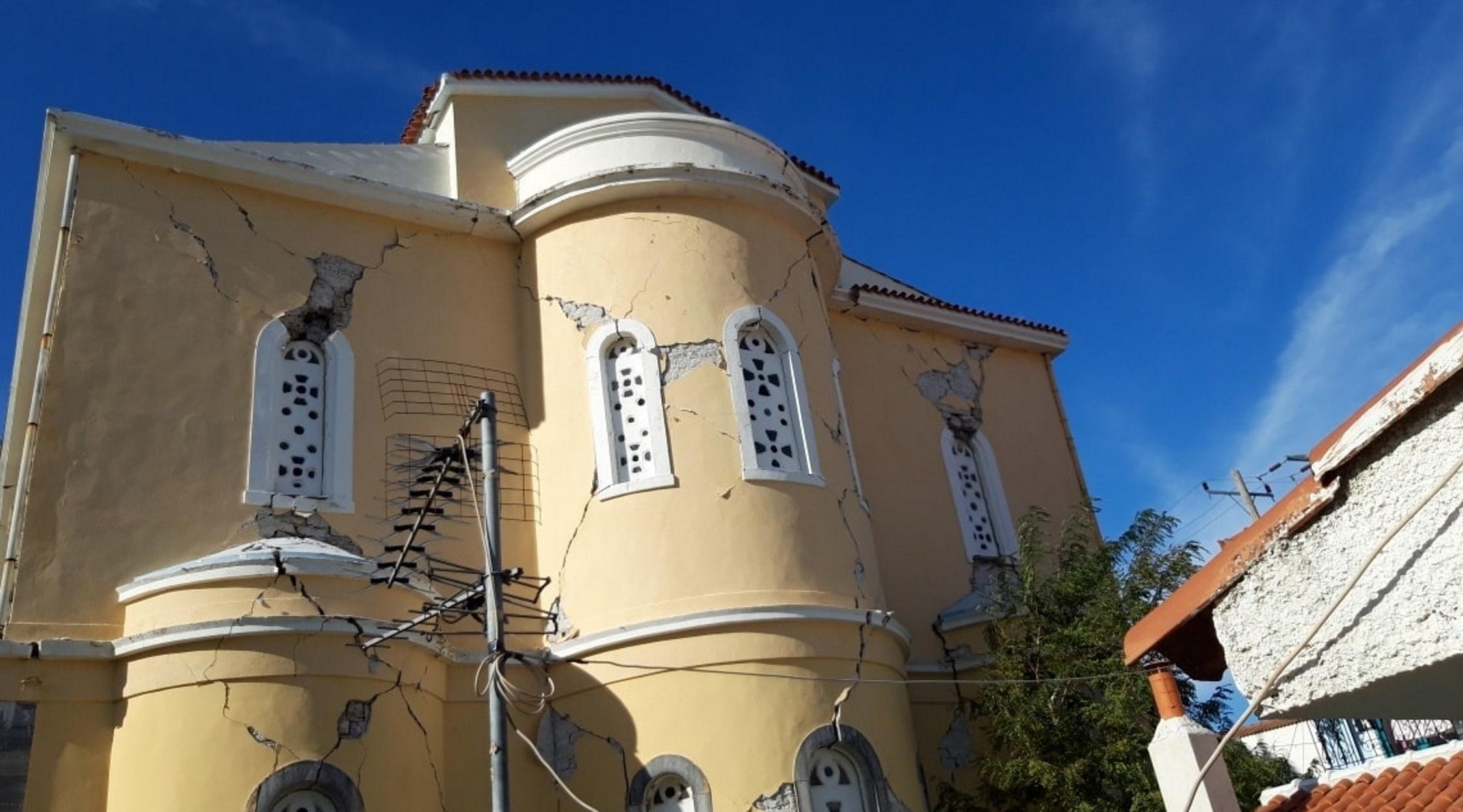 """Τραγωδία στη Σάμο: """"Πληγώθηκαν"""" εκκλησίες, μνημεία και σε Ικαρία, Χίο (pics)"""