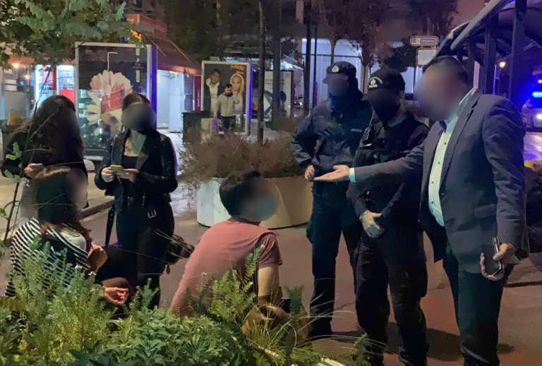 Κορονοϊός: Εντολή ταξίαρχου για πρόστιμο μετά τα μεσάνυχτα (video)