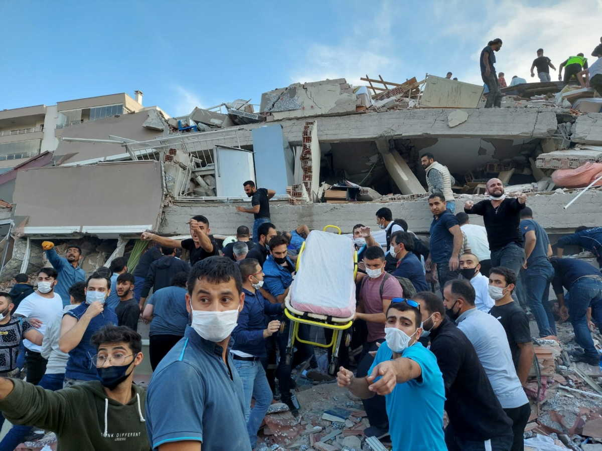Σεισμός: 4 νεκροί και πάνω από 100 τραυματίες-Εικόνες απίστευτης καταστροφής
