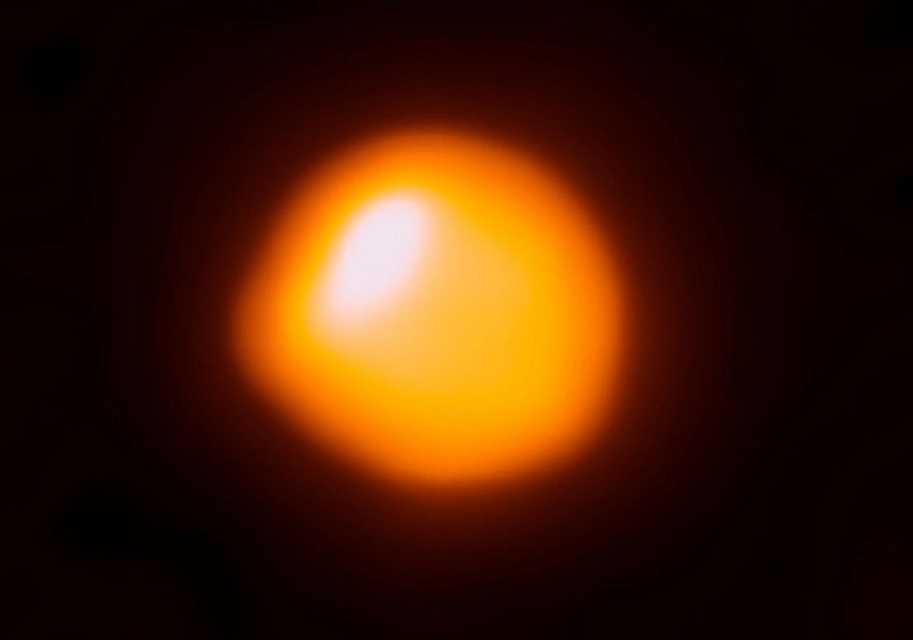 Το υπεργιγάντιο άστρο Μπετελγκέζ δεν είναι αυτό που φαίνεται