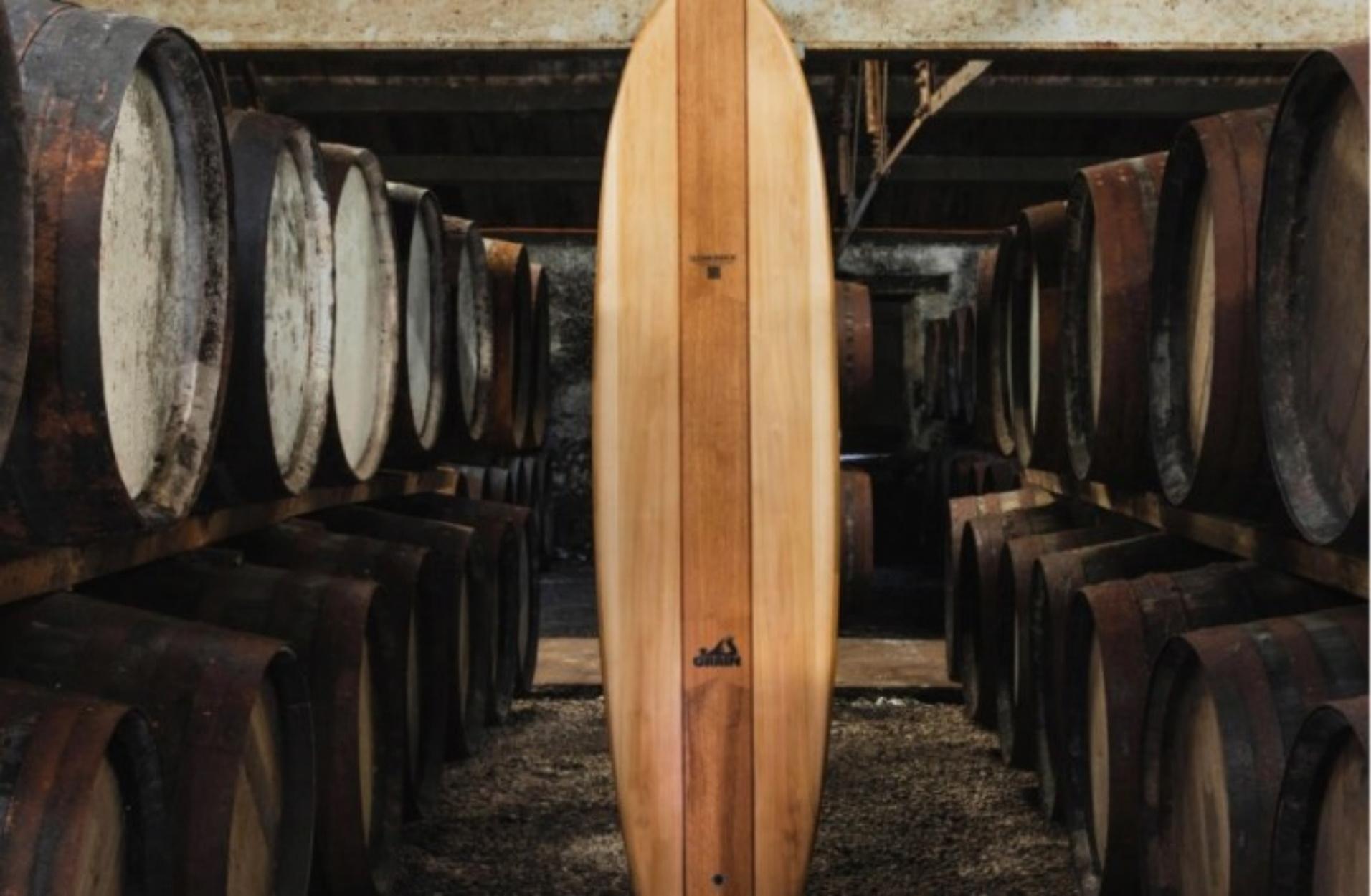 Σανίδες του surf κατασκευασμένες από βαρέλια σκωτσέζικου ουίσκι