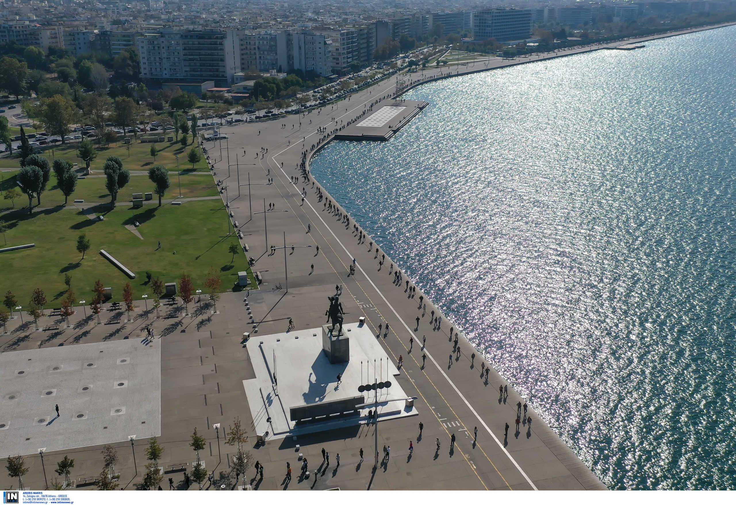 """Τα κρούσματα """"έπνιξαν"""" τη Θεσσαλονίκη – Ψηλά και η Αττική – Όλη η κατανομή"""