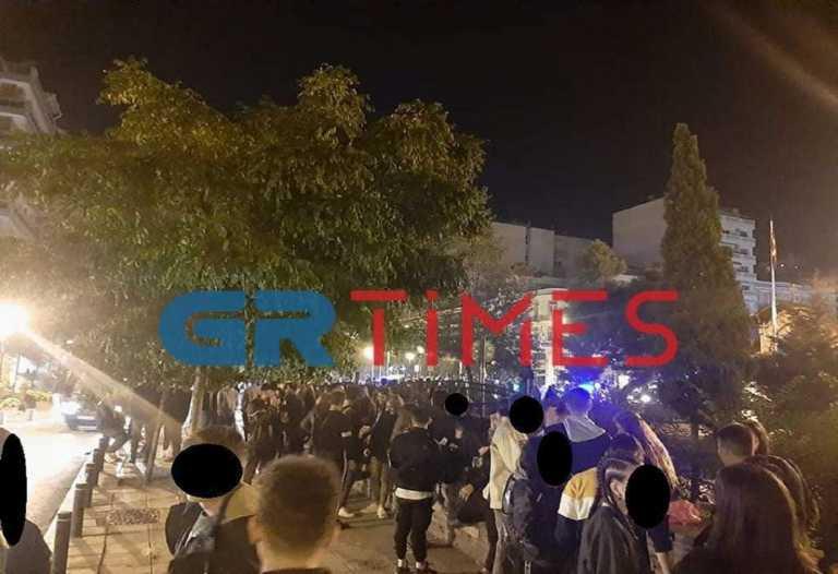 Θεσσαλονίκη: Ποιος κορονοϊός; Απίστευτος συνωστισμός τα ξημερώματα στο κέντρο της πόλης